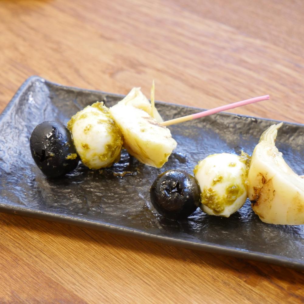 Brochette mozzarella et artichaut