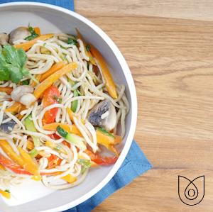 Nouilles sautées et wok de légumes
